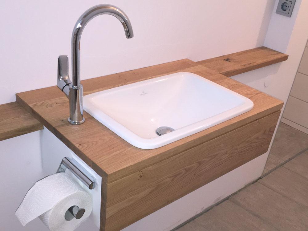 Individuell geplanter Waschtisch in Büro